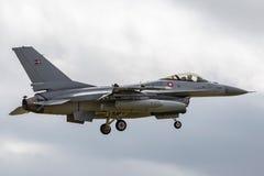 Królewskiego Duńskiej siły powietrzne dynamika F-16AM Ogólnego ` jastrząbka ` Walczący myśliwiec E-008 Zdjęcie Stock