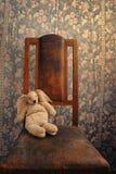 królika krzesła trykotowy stary obsiadanie Zdjęcia Royalty Free