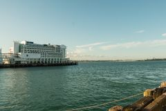 Królowej nabrzeże, rejs Portowy Śmiertelnie Auckland, Nowy Zealand zdjęcia royalty free