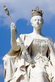 Królowej Wiktoria statua przy Kensington pałac w Londyn Obrazy Stock