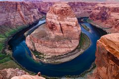Krökning för hästsko för Coloradofloden` s, sida, Arizona Arkivbild