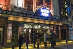 Krökningen gillar det Beckham musikalisk på den Phoenix teatern - London England UK royaltyfri foto