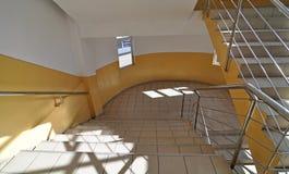krökt trappa Arkivbilder