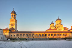 Krönungs-Kathedrale am Sonnenuntergang, Iulia Festung alba Stockbild