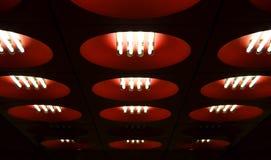 krąg podsufitowe czerwone światła zdjęcia stock