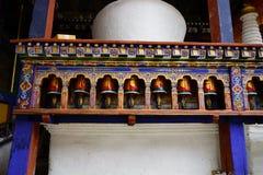 Kręcenie mantra w Bhutan Zdjęcia Royalty Free
