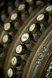 Kręcony klucz na starej Niemieckiej kasie Obrazy Royalty Free