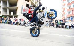 Krańcowy motocykl jazdy przedstawienie zdjęcie stock