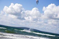 Krańcowy kania surfingowiec na splashdown Zdjęcia Stock