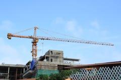 Kraan en bouwconstructie Royalty-vrije Stock Afbeeldingen