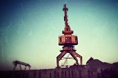 Kraan in haven stock afbeelding