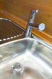 Kraan in keuken royalty-vrije stock afbeelding