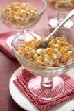 Krab sałatka z jajkami, słodką kukurudzą i majonezem, Obraz Stock
