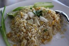 krabba stekt rice fotografering för bildbyråer