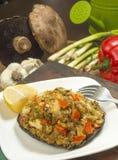 Krabbe angefüllte portobello Pilze Stockbild