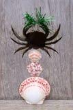 Krabbe herausgeschnitten vom Holz Lizenzfreie Stockfotografie