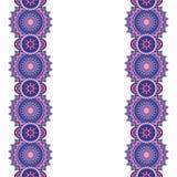 Krabbel overladen bloemengrenzen, horizontaal formaat Vectorillustra Stock Afbeeldingen