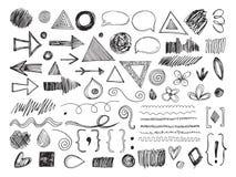 Krabbelvormen Potloodpijlen, hand getrokken texturen en toespraakbellen De de schetsgrenzen en tekens isoleerden vectorreeks vector illustratie