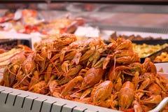 Krabben auf Anzeige im Speicher Lizenzfreie Stockfotos