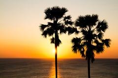 从Krabi的日落在泰国 库存图片