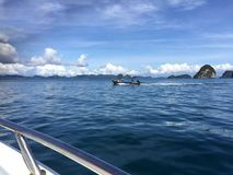 krabi省晃动海运 泰国 在遥远的海岛上的看法 免版税库存照片