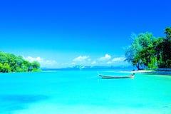 海湾海滩krabi盐水湖手段泰国 免版税库存图片