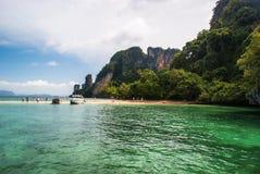 Krabi Tailândia Outubro 2010 Vista da ilha Phak Bia longt Fotografia de Stock Royalty Free