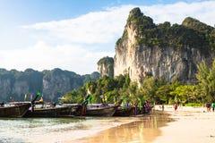 Krabi, Tajlandia, Grudzień 11,2013: Railay plaża, Krabi, Andaman morze Obraz Stock