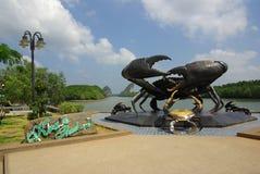 KRABI THAILAND - Januari 9, 2014: Staty av krabbor i sy Krabi - Royaltyfri Fotografi