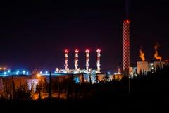 Krachtcentrale bij nacht Royalty-vrije Stock Afbeeldingen
