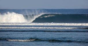 Krachtige Branding - Sumatra Indonesië Stock Afbeeldingen