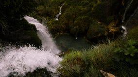 Krachtige dramatische watervallen in Kroatië royalty-vrije stock afbeelding