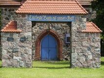 Kraenzlin-Kirche-Torbogen Stock Photos
