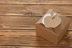 Kraft ask med etiketten arkivbild