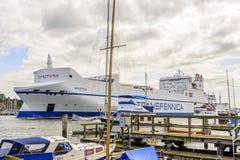 Kraftica partant du port de Lübeck Images libres de droits