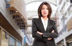 kraftig kvinna för affär Arkivbild