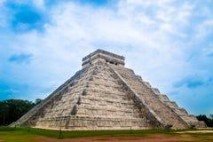 Kraftig pyramid Fotografering för Bildbyråer