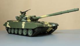 Kraftig sovjetisk behållare T-72 Royaltyfri Bild