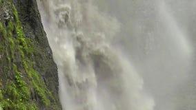 Kraftig strömvattenfall arkivfilmer