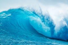 kraftig wave för blått hav Royaltyfri Fotografi
