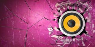 Kraftiga ljudsignala högtalare bröt betongväggen Royaltyfri Fotografi