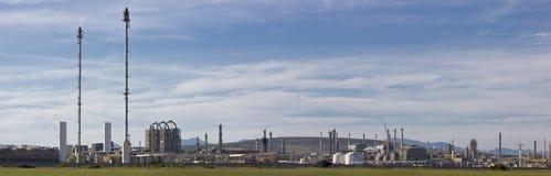 Kraftstoff- und Gasraffinerie lizenzfreie stockbilder