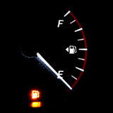 Kraftstoffanzeige leer stockfotos
