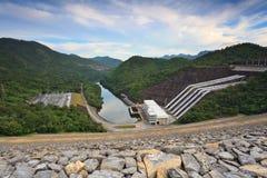 Kraftverk för elektricitet för vattenenergi Royaltyfri Fotografi