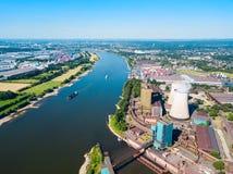 Kraftverk i Duisburg, Tyskland fotografering för bildbyråer
