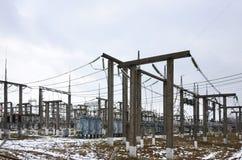 Kraftverket är en station av omformning Många kablar, pol Royaltyfri Fotografi