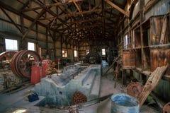 Kraftverkrummet på gamminspökstaden Wickenberg Arizona arkivbilder