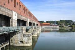 Kraftwerk auf Donau (Passau, Deutschland) Stockbilder