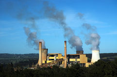 Kraftwerk horizontal Lizenzfreie Stockbilder