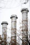 Kraftwerk-Kamine Stockfotografie